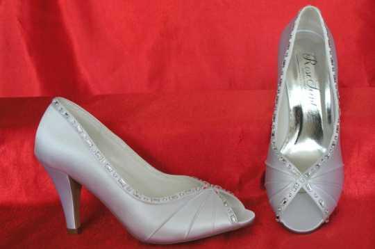 b6d8d6c3dd Női esküvői és alkalmi cipők | A legszebb esküvői cipő Önnek, a ...